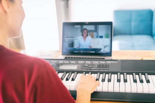 Online keyboard lessons