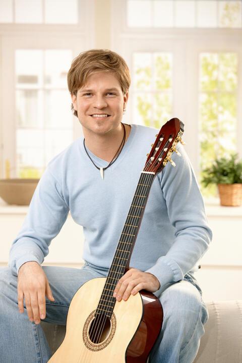 teacher-guitar-2